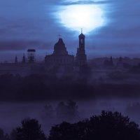 """Сумерки, туман, """"фонарь"""". :: Александр Белоглазов"""