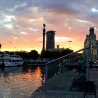 Закат в Барселоне :: Таня Фиалка