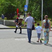 В парк, на праздник. :: Валерий Кабаков