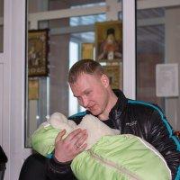 Счастливый отец,у него родился сын! :: Алексей -