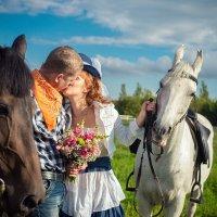 Прогулка с лошадьми :: Иван Ткаченко