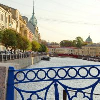 Река Мойка. Синий мост. :: Владимир Гилясев