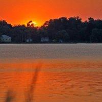 закат на озере :: Игорь Kуленко