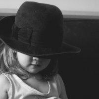 Всё дело в шляпе :: Вера Арасланова