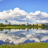 Облака плывут, облака. :: юрий Амосов