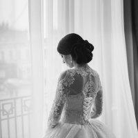 окно и невеста... :: Батик Табуев