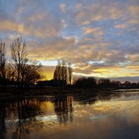 зимний вечер на озере :: юрий иванов