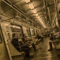 В вагоне метро... :: Константин Сафронов