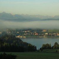 Туман над озером Чорштын :: Владимир