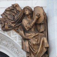 Южный  фасад.Левая арка малых врат. :: Galina Leskova