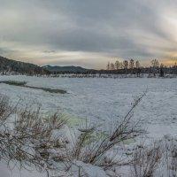 Бия под снегом и льдом :: Sergey Oslopov