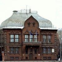 В этом здании родилась эскодрилия Нормандия Неман :: Виктор Замятин