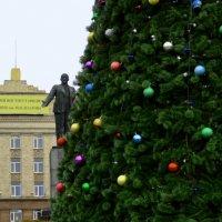 Городская ёлка :: Владимир Болдырев