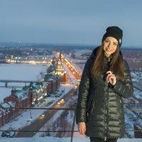 Портрет на фоне города :: Сергей Канашин