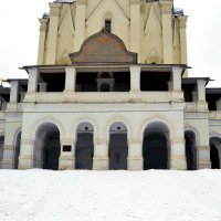 Крыльцо церкви Вознесения Господня. :: Владимир Болдырев