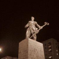 Памятник металлургу Магнитогорск :: Александр Поздеев