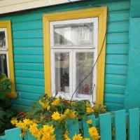Окно и золотые шары :: Наталья Гусева