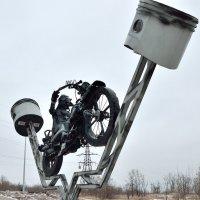 Памятник байкеру на Семи ветрах (Снегири) Волгоград :: Александр