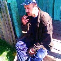 Скромный мужичок под пятьдесят :: Владимир Ростовский