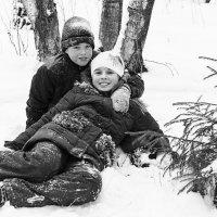 Сестра старшая(на 10 минут) - любимая! :: Ирина Шарапова