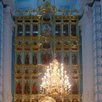 Возрождаемый главный  иконостас  Воскресенского собора :: Galina Leskova