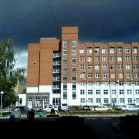 Здание и туча :: Николай Филоненко