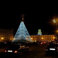 Площадь Свободы :: Наталья Джикидзе (Берёзина)