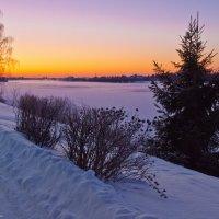 Закат на зимней Волге. :: Виктор Евстратов