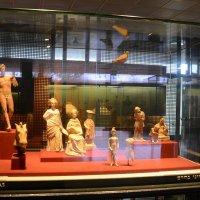В музее. :: Ludmila Frumkina