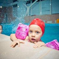 Дети в бассейне :: Andre Nikolski