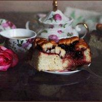 Чай с вишневым пирогом. :: Елена Прихожай