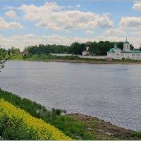 Река Великая у Пскова. :: Роланд Дубровский