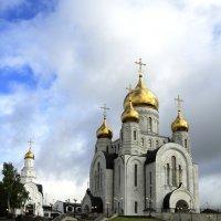 Один из храмов в г.Ханты-Мансийске :: Сергей
