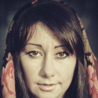 Портрет в платке :: Дмитрий Саврасов