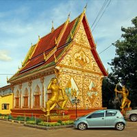 Лаос. Вьентьян. Маленький храм :: Владимир Шибинский