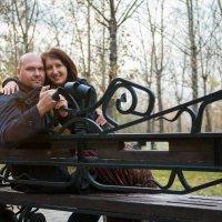 В парке на скамье, оглянулась пара мне. :: Владимир Дубицкий