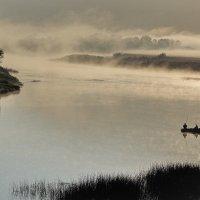На утренней рыбалке :: Валентин Котляров
