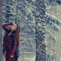 Вика в лесу :: Женя Рыжов
