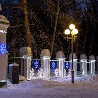 Снежинки, улица, фонарь... :: Олег Карташов