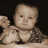 С любимой игрушкой :: Ирина Белоусова
