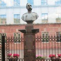 Памятник основателю российского банка :: Самохвалова Зинаида