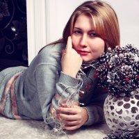 с букетом из шишек :: Алена Виноградова