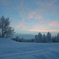 Северодвинск. Сильный мороз и робкое солнце :: Владимир Шибинский