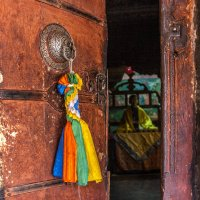В буддистском храме :: Victor Belimenko