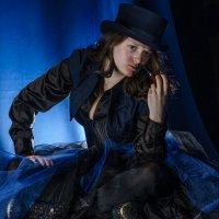 Дама в синем :: Олег Дроздов