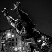 Памятник Михаи́лу Паника́хе :: Иван Синицарь