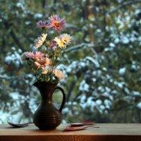 Первый снег и последние хризантемы :: veilins veilins