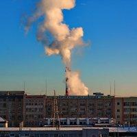 Дымок в лучах заката :: Надежда Баликова