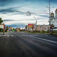 """Спит город мой, спят дома и бульвары... Как звёзды свет.... светофора... (На тему """"Still My Gui :: Сергей Смоляков"""
