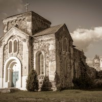 Старая церковь :: Олег Фиедориенко